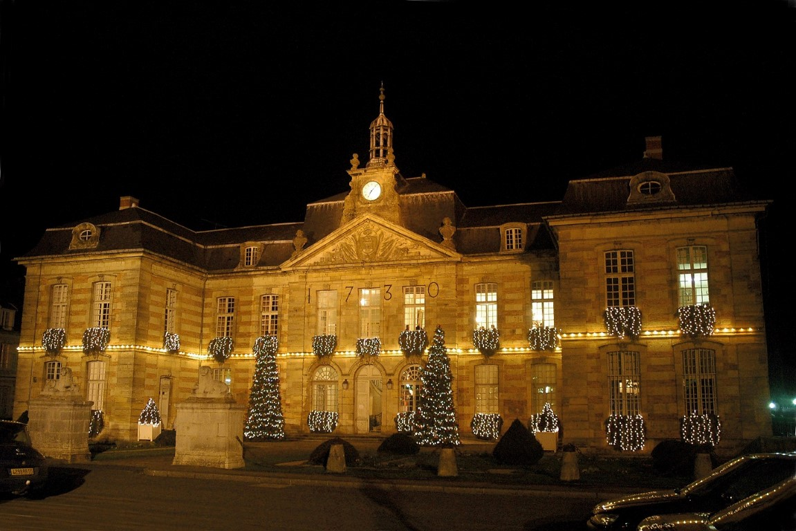STE MENEHOULD town hall, Christmas time(4)12-1-07