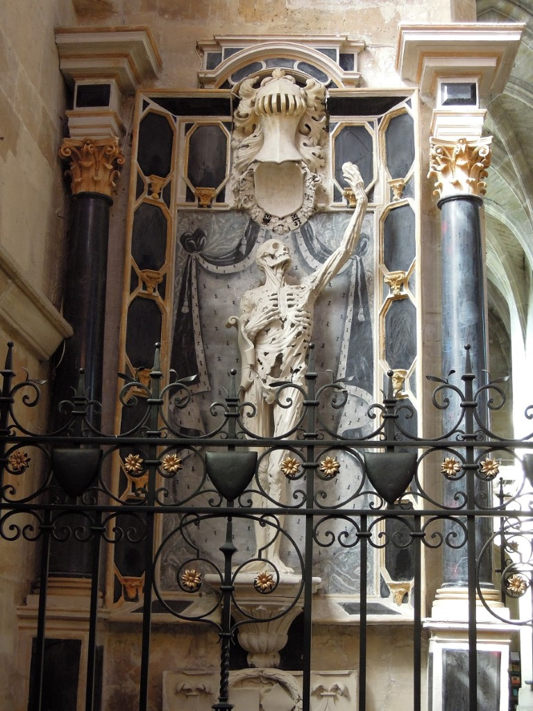 Tomb at Bar-Le-Duc of the Prince of Orange, Rene of Clermont, symbolysing his resurrection, by Richier  1500-1567, 25-9-011